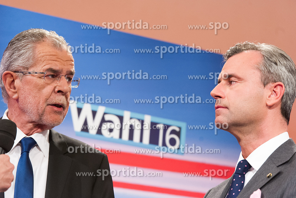22.05.2016, Hofburg, Wien, AUT, TV-Einsteig bei der Stichwahl der Präsidentschaftswahl 2016, im Bild TEXT // at the first televeision meeting during the austrian presidential elections at Hofburg palace in Vienna, Austria on 2016/05/22, EXPA Pictures © 2016, PhotoCredit: EXPA/ Michael Gruber