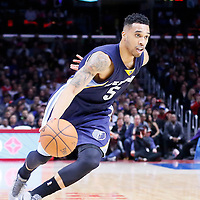 23 February 2015: Memphis Grizzlies guard Courtney Lee (5) dribbles during the Memphis Grizzlies 90-87 victory over the Los Angeles Clippers, at the Staples Center, Los Angeles, California, USA.