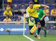 FODBOLD: Lasse Vigen (Brøndby IF) redder på linjen under kampen i Superligaen mellem Brøndby IF og FC Midtjylland den 20. maj 2019 på Brøndby Stadion. Foto: Claus Birch.