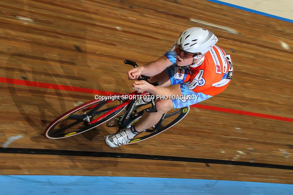 Andre Looij wint NK kilometer in Apeldoorn