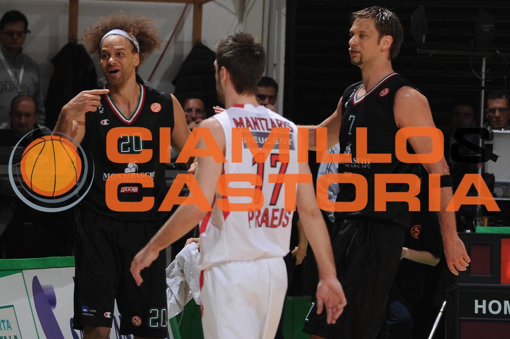 DESCRIZIONE : Siena Eurolega 2011-12 Montepaschi Siena Olympiakos<br /> GIOCATORE : Shaun Stonerook<br /> CATEGORIA : delusione<br /> SQUADRA : Montepaschi Siena<br /> EVENTO : Eurolega 2011-2012<br /> GARA : Montepaschi Siena Olympiakos<br /> DATA : 23/03/2012<br /> SPORT : Pallacanestro <br /> AUTORE : Agenzia Ciamillo-Castoria/GiulioCiamillo<br /> Galleria : Eurolega 2011-2012<br /> Fotonotizia : Siena Eurolega 2011-12 Montepaschi Siena Olympiakos<br /> Predefinita :
