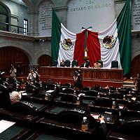 TOLUCA, México.- La Legislatura local recibió  propuestas de reforma y adición al código penal, con relación al sistema de justicia para adolescentes, además de la iniciativa para las modificaciones al impuesto predial en los municipios de la entidad. Agencia MVT / Crisanta Espinosa. (DIGITAL)