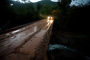 Iuna_ES, Brasil...Ponte sobre o corrego Claro, na divisa de Minas Gerais e Espirito Santo...A bridge over Claro stream, between Minas Gerais and Espirto Santo...Foto: LEO DRUMOND / NITRO