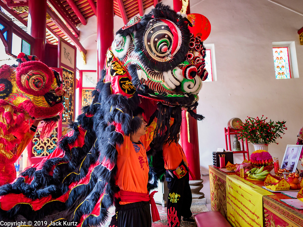 05 FEBRUARY 2019 - BANGKOK, THAILAND: Lion dancers perform on the first day of Chinese New Year celebrations at Canton Shrine in Bangkok. Chinese New Year celebrations in Bangkok started on February 4, 2019, although the city's official celebration is February 5 - 6. The coming year will be the Year of the Pig in the Chinese zodiac. About 14% of Thais are of Chinese ancestry and Lunar New Year, also called Chinese New Year or Tet is widely celebrated in Chinese communities in Thailand.      PHOTO BY JACK KURTZ