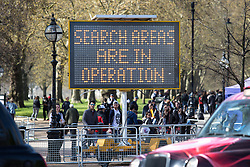 © Licensed to London News Pictures. 20/04/2016. London, UK. Police alert attendees of search areas in operation at the '4/20' demonstration in Hyde Park. Demonstrators gather on 20 April for the legalisation of cannabis. Photo credit : Tom Nicholson/LNP