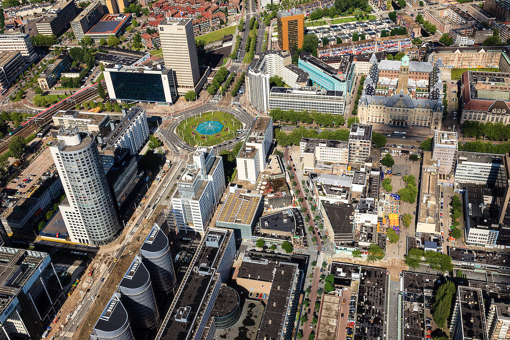 Nederland, Zuid-Holland, Rotterdam, 15-07-2012; Binnenstad met Hofplein, Lijnbaan, Coolsingel met stadhuis. .The center of Rotterdam, Hofplein, Coolsingel and city hall (t,r),  the Hilton Hotel...luchtfoto (toeslag), aerial photo (additional fee required).foto/photo Siebe Swart