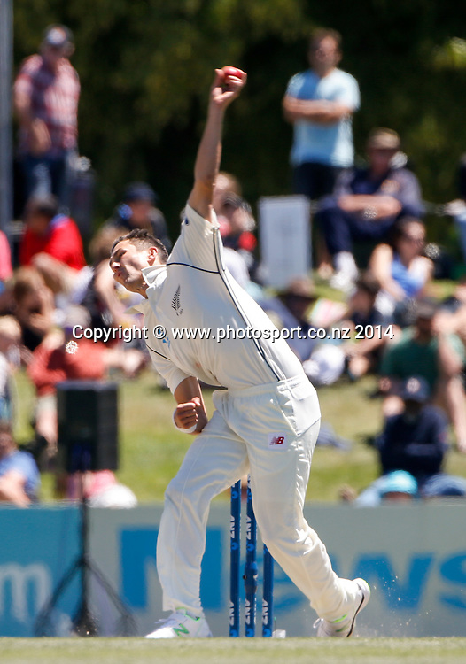 Trent Boult bowls. Day 4, ANZ Boxing Day Cricket Test, New Zealand Black Caps v Sri Lanka, 29 December 2014, Hagley Oval, Christchurch, New Zealand. Photo: John Cowpland / www.photosport.co.nz