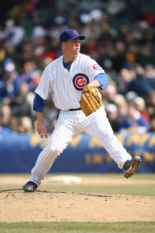 CHICAGO - APRIL 4:  Jon Lieber #32 of the Chicago Cubs pitches during the game against the Houston Astros at Wrigley Field in Chicago, Illinois on April 4, 2008.  The Astros defeated the Cubs 4-3.  (Photo by Ron Vesely)