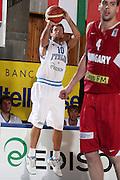 DESCRIZIONE : Bormio Torneo Internazionale Diego Gianatti Italia Ungheria<br /> GIOCATORE : Daniele Cavaliero<br /> SQUADRA : Nazionale Italia Uomini <br /> EVENTO : Torneo Internazionale Guido Gianatti<br /> GARA : Italia Ungheria<br /> DATA : 09/07/2010 <br /> CATEGORIA : tiro<br /> SPORT : Pallacanestro <br /> AUTORE : Agenzia Ciamillo-Castoria/ElioCastoria<br /> Galleria : Fip Nazionali 2010 <br /> Fotonotizia : Bormio Torneo Internazionale Diego Gianatti Italia Ungheria<br /> Predefinita :