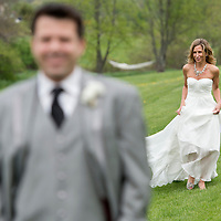 Jen and Mike Hopkins wedding at Misty Farms in Ann Arbor, Michigan. Photos by Melanie Maxwell