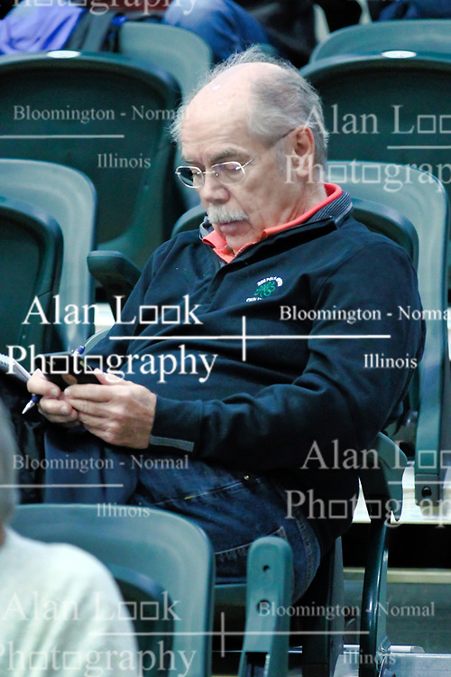 29 December 2018: Sportswriter Dave Kindred. LSG consolation game between the Lady Potters of Morton and the Richwoods Lady Knights at the State Farm Holiday Classic Coed Basketball Tournament at Shirk Center, Bloomington Illinois