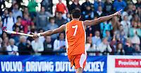 DEN BOSCH -  Glenn Schuurman heeft voor Nederland de score geopend,  tijdens de halve finale wedstrijd tussen de mannen van Jong Oranje  en Jong Duitsland (3-2), tijdens het Europees Kampioenschap Hockey -21.  ANP KOEN SUYK