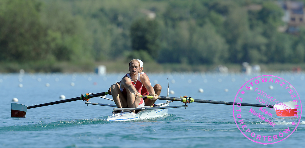 (L) DAWID PACZES & (R) LUKASZ KARDAS (BOTH POLAND) COMPETE AT MEN'S PAIR HEAT DURING DAY 1 FISA ROWING WORLD CUP ON ESTANY LAKE IN BANYOLES, SPAIN...BANYOLES , SPAIN , MAY 29, 2009..( PHOTO BY ADAM NURKIEWICZ / MEDIASPORT )..PICTURE ALSO AVAIBLE IN RAW OR TIFF FORMAT ON SPECIAL REQUEST.