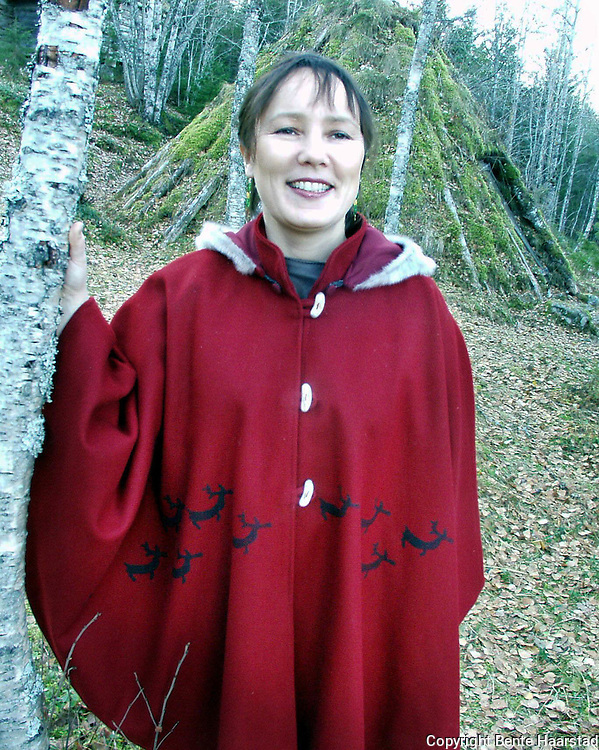Creations made with reindeer skin or other kinds of leather and fur. Wilks Design is three sami sisters from Skæhkeren Sijte i Snåsa: Eva Anette, Hanne-Lena and Laila Gunilla Wilks.