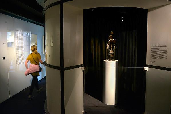 Nederland, Berg en Dal, 27-7-2015 Afrika museum. Nationaal museum weekend. Nationaal Museum van Wereldculturen.Het Afrika Museum in Berg en Dal, Gelderland, is geheel gewijd aan kunst uit en culturen van het continent Afrika. Er is aandacht voor Afrikaanse architectuur, Afrikaanse visies op kunst en schoonheid, hedendaagse Afrikaanse kunst en religie en samenleving. Wat nu een rijke, goed gedocumenteerde collectie voorwerpen uit Afrika is, begon als een bescheiden, maar waardevolle particuliere verzameling van de missionarissen van de Congregatie van de H. Geest. Minister Bussemaker van Cultuur begeleidde in 2014 de fusie van het Afrika Museum uit Berg en Dal, Rijksmuseum Volkenkunde uit Leiden en Tropenmuseum uit Amsterdam. De drie gaan verder als het Nationaal Museum van Wereldculturen. Foto: Flip Franssen/Hollandse Hoogte