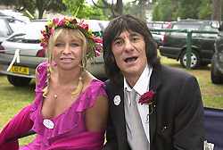 RONNIE & JO WOOD he is a member of the Rolling Stones,<br />  at Royal Ascot on 20th June 2000.OFN68<br /> © Desmond O'Neill Features:- 020 8971 9600<br />    10 Victoria Mews, London.  SW18 3PY <br /> www.donfeatures.com   photos@donfeatures.com<br /> MINIMUM REPRODUCTION FEE AS AGREED.<br /> PHOTOGRAPH BY DOMINIC O'NEILL