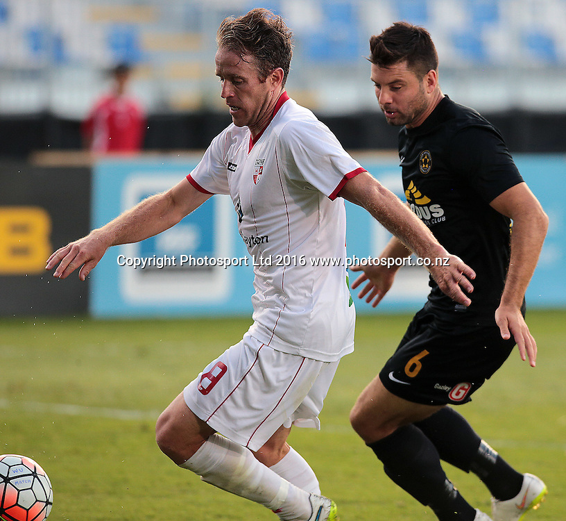 ASB Premiership Football Waitakere United v Team Wellington QBE Stadium, North Shore, Auckland Thursday 11th Feb. Waitakere's Chadwck Coombes tracked by Chris Bale. Wellington went on to win 4-2. Photo: David Mackay / www.photosport.nz