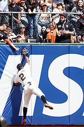 SAN FRANCISCO, CA - MAY 25: Denard Span #2 of the San Francisco Giants catches a fly ball hit off the bat of Melvin Upton Jr. (not pictured) of the San Diego Padres during the eighth inning at AT&T Park on May 25, 2016 in San Francisco, California.  (Photo by Jason O. Watson/Getty Images) *** Local Caption *** Denard Span
