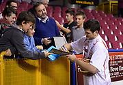 DESCRIZIONE : Venezia campionato serie A 2013/14 Reyer Venezia EA7 Olimpia Milano <br /> GIOCATORE : Alessandro Gentile<br /> CATEGORIA : fair play<br /> SQUADRA : EA7 Olimpia MIlano<br /> EVENTO : Campionato serie A 2013/14<br /> GARA : Reyer Venezia EA7 Olimpia<br /> DATA : 28/11/2013<br /> SPORT : Pallacanestro <br /> AUTORE : Agenzia Ciamillo-Castoria/A.Scaroni<br /> Galleria : Lega Basket A 2013-2014  <br /> Fotonotizia : Venezia campionato serie A 2013/14 Reyer Venezia EA7 Olimpia  <br /> Predefinita :
