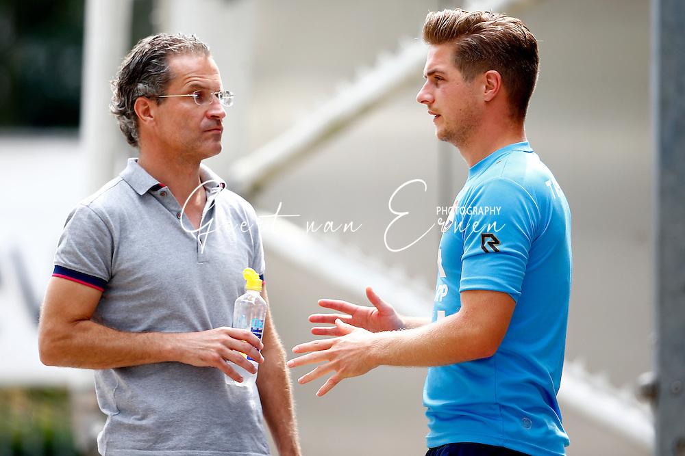 26-07-2016 VOETBAL:WILLEM II - FC DORDRECHT:TILBURG<br /> Geheime wedstrijd tussen Willem II en FC Dordrecht<br /> <br /> Algemeen Directeur van Willem II Berry van Gool in een serieus gesprek met Jordens Peters van Willem II die in de belangstelling staat van SC Heerenveen<br /> <br /> Foto: Geert van Erven