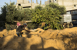 September 10, 2017 - Gaza City, The Gaza Strip, Palestine - A Palestinian man working in construction in the town of Beit Lahiya, in the northern Gaza Strip. (Credit Image: © Mahmoud Issa/Quds Net News via ZUMA Wire)