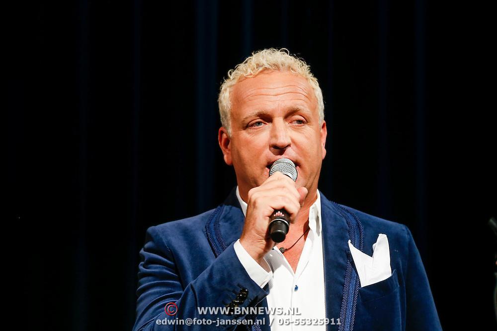 NLD/Amsterdam/20130121 - CD presentatie Geloof, Hoop en Liefde van LA the Voices, Gordon Heuckeroth