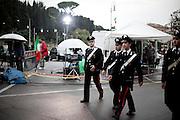 ROMA. UNA RAPPRESENTANZA DI CARABINIERI ALL'ESTERNO DELLA CAMERA ARDENTE ALLESTITA PER I MILITARI CADUTI IN AFGHANISTAN