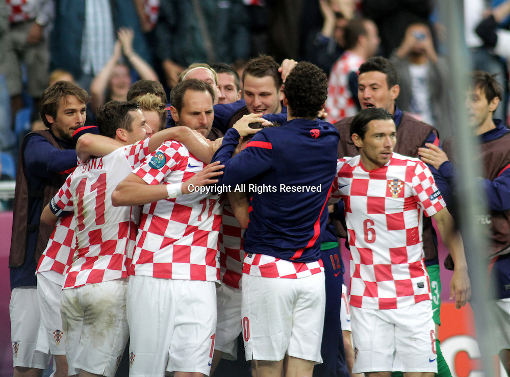 14.06.2012. Poznan, Poland.  EURO 2012, FOOTBALL EUROPEAN CHAMPIONSHIP, Italy versus Croatia.  MARIO MANDZUKIC (CRO)ans team mates celebrate scoring the equalising goal.   The game ended in a 1-1- draw.