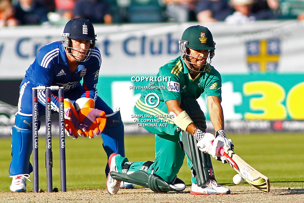 08/09/2012 Durham, England. Craig Kieswetter and Jean-Paul Duminy during the 1st Nat West t20 cricket match between  England and South Africa and played at Emirate Riverside Cricket Ground: Mandatory credit: Mitchell Gunn