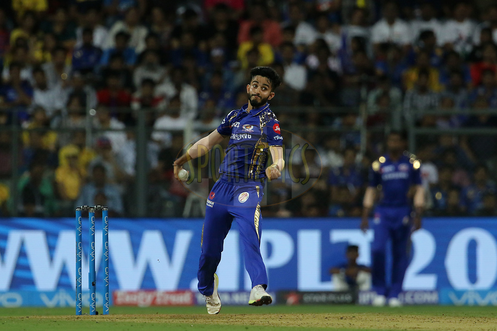 Mayank Markande of the Mumbai Indians bowls during match one of the Vivo Indian Premier League 2018 (IPL 2018) between the Mumbai Indians and the Chennai Super Kings held at the Wankhede Stadium in Mumbai on the 7th April 2018.<br /> <br /> Photo by Vipin Pawar / IPL / SPORTZPICS