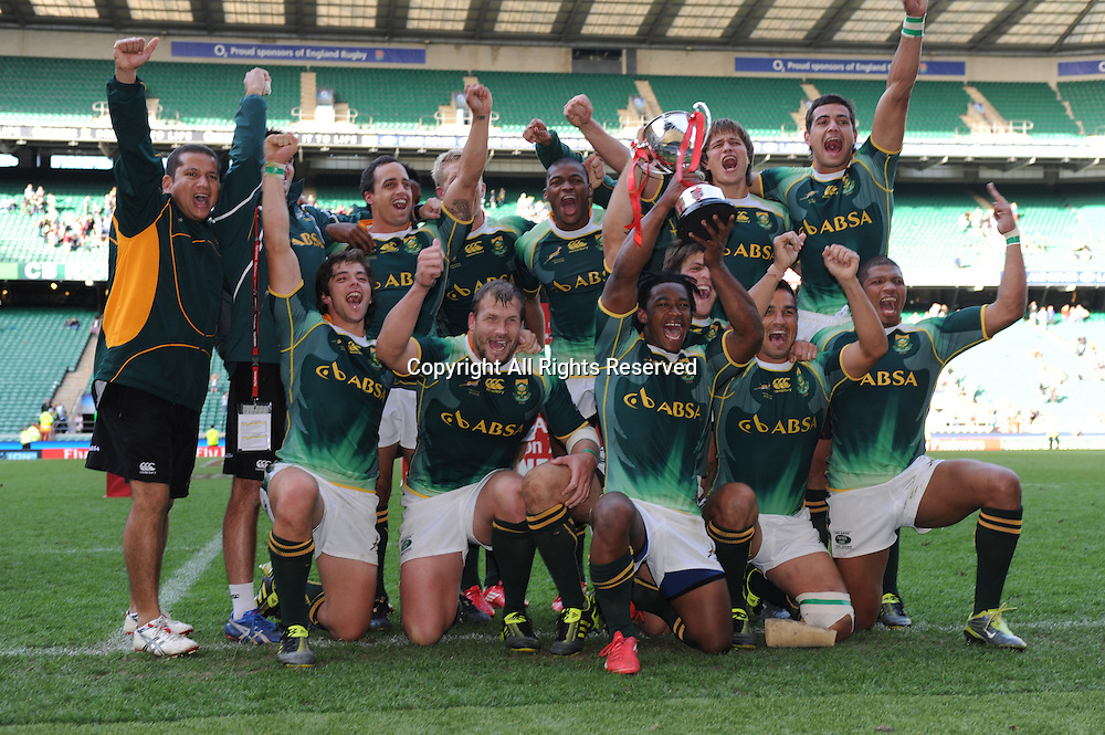 22.05.2011. Twickenham, Middlesex.  South Africa winners of the London Sevens at the Rugby Union HSBC Sevens World Series from Twickenham.