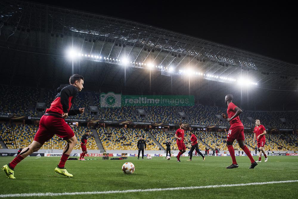 September 14, 2017 - Lviv, UKRAINA - 170914 Östersunds spelare värmer upp Arena Lviv under fotbollsmatchen i Europa League mellan Zorya och Östersund den 14 september 2017 i Lviv  (Credit Image: © Johanna Lundberg/Bildbyran via ZUMA Wire)