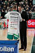 DESCRIZIONE : Avellino Lega A 2011-12 Sidigas Avellino Umana Venezia<br /> GIOCATORE : Andrea Mazzon Valerio Spinelli<br /> SQUADRA : Umana Venezia Sidigas Avellino<br /> EVENTO : Campionato Lega A 2011-2012<br /> GARA : Sidigas Avellino Umana Venezia<br /> DATA : 15/01/2012<br /> CATEGORIA : before fair play<br /> SPORT : Pallacanestro<br /> AUTORE : Agenzia Ciamillo-Castoria/A.De Lise<br /> Galleria : Lega Basket A 2011-2012<br /> Fotonotizia : Avellino Lega A 2011-12 Sidigas Avellino Umana Venezia<br /> Predefinita :