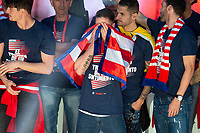 Atletico de Madrid Fernando Torres celebrating Europa League Championship at Neptune Fountain in Madrid, Spain. May 18, 2018. (ALTERPHOTOS/Borja B.Hojas)