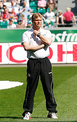 24.04.2010, Volkswagen Arena, Wolfsburg, GER, 1.FBL, VfL Wolfsburg vs 1.FC Koeln, im Bild Frank Schaefer (Trainer Koeln) .EXPA Pictures © 2011, PhotoCredit: EXPA/ nph/  Schrader       ****** out of GER / SWE / CRO  / BEL ******