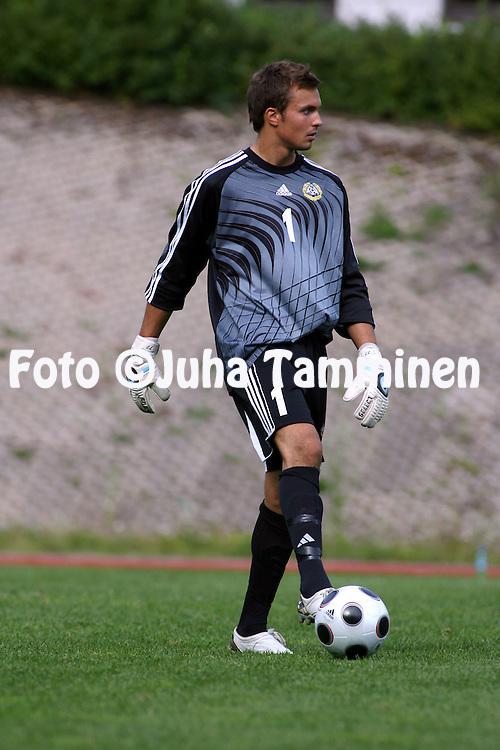 04.08.2009, Eerikkil?n urheiluopisto, Tammela..Alle 18-vuotiaiden maaottelu Suomi - Turkki.Jere Pyh?ranta - Suomi.©Juha Tamminen.