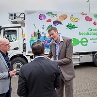 Nederland, Zaandam, 15 mei 2017.<br /> Ingebruikname eerste e-trucks voor Albert Heijn.<br /> De Amsterdamse wethouder Abdeluheb Choho, wethouder Duurzaamheid neemt de eerste van de twee e-trucks in gebruik die Albert Heijn-supermarkten in Amsterdam gaan bevoorraden.<br /> Op de foto: Rechts Wim Roks wagenparkbeheerder van Simon Loos<br /> <br /> Foto: Jean-Pierre Jans<br /> <br /> The Netherlands, Zaandam, May 15, 2017. <br /> Commissioning of the first e-trucks for supermarket chain Albert Heijn. On the picture: Right Wim Roks fleet manager of Simon Loos<br /> Photo: Jean-Pierre Jans