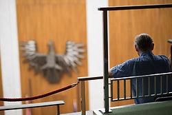 13.07.2017, Parlament, Wien, AUT, Parlament, Nationalratssitzung, Sitzung des Nationalrates mit Beendigung der 25. Legislaturperiode und Beschluss des vorgezogenen Wahltermins, im Bild Zuschauer im Plenarsaal // Visitor during meeting of the National Council of austria due to general elections 2017 at austrian parliament in Vienna, Austria on 2017/07/13, EXPA Pictures © 2017, PhotoCredit: EXPA/ Michael Gruber
