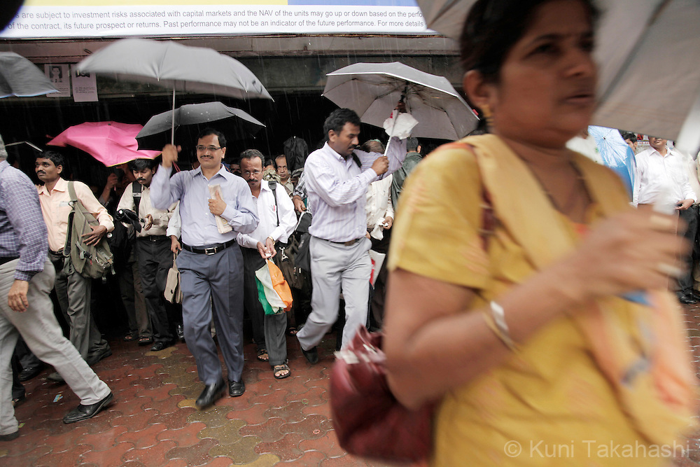 Commuters make their way for work at Church Gate Station in Mumbai on Thursday, Sep 16, 2010.<br /> (Photo by Kuni Takahashi)