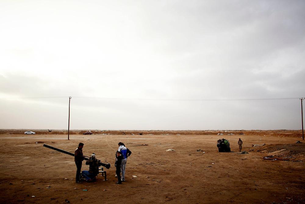 Ajdabiya, Libya, 05.03.11..Opprører-checkpoint utenfor Ajdabiya..Foto: Eivind H. Natvig