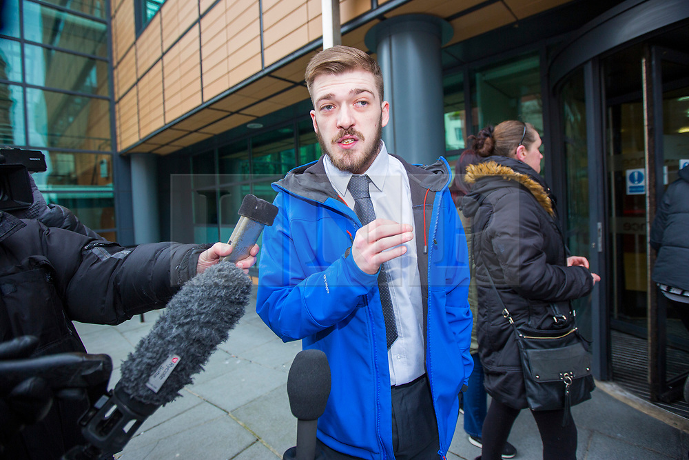 """© Licensed to London News Pictures. 05/02/2018. Liverpool, UK. Tom Evans, father of Alfie Evans arrives at Liverpool Civil & Family Court this morning. Tom Evans and Kate James from Liverpool are in dispute with medics looking after their son 19-month-old son Alfie Evans, at Alder Hey Children's Hospital in Liverpool. Alfie is in a """"semi-vegetative state"""" and had a degenerative neurological condition doctors have not definitively diagnosed. Specialists at Alder Hey say continuing life-support treatment is not in Alfie's best interests but the boy's parents want permission to fly their son to a hospital in Rome for possible diagnosis and treatment. Photo credit: Andrew McCaren/LNP"""