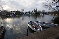 © under license to London News Pictures.  03/01/2011. Two men are missing feared dead after six people fell from a boat into the river Thames at Shepperton yesterday evening. A police dive team is searching for the bodies. Photo credit should read: London News Pictures.