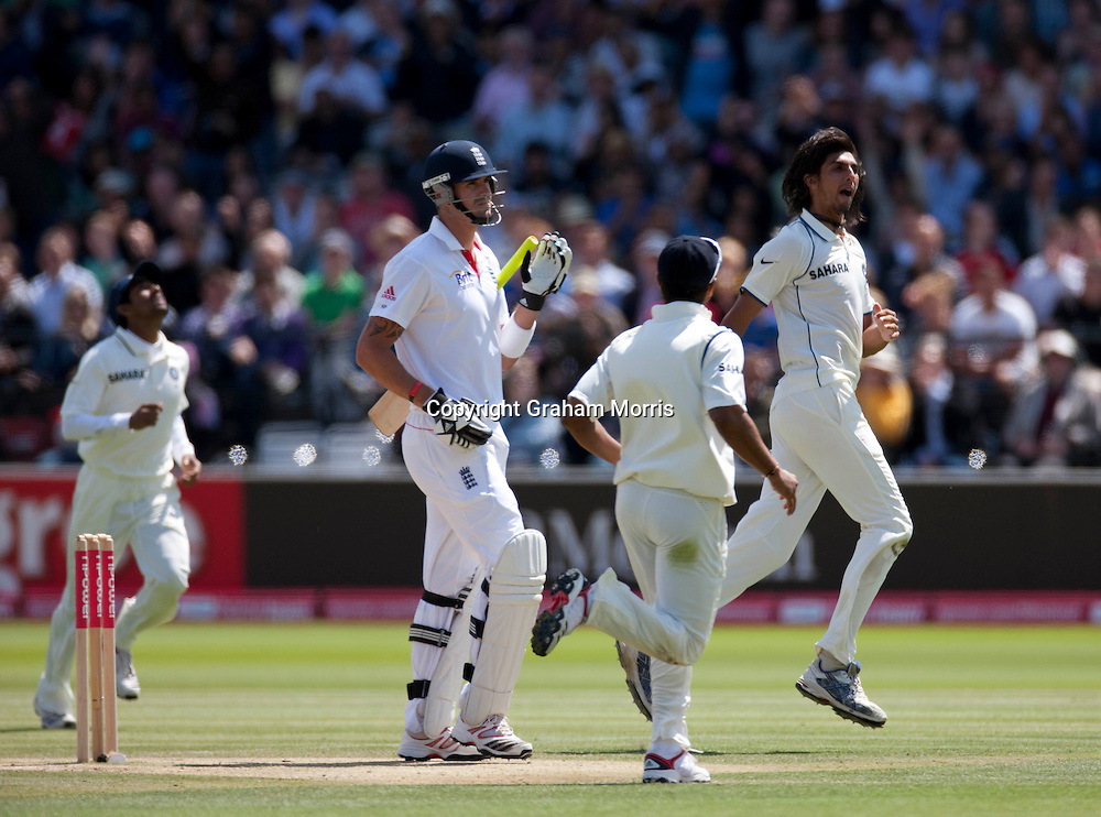 Kevin Pietersen out to Ishant Sharma (right) for one run during the first npower Test Match between England and India at Lord's Cricket Ground, London.  Photo: Graham Morris (Tel: +44(0)20 8969 4192 Email: sales@cricketpix.com) 24/07/11