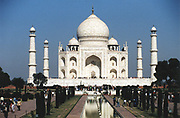 Taj Mahal, Agra, India, marble Mausoleum built 1632-1654 by Shah Jahan for his wife Arjumand Banu Begam