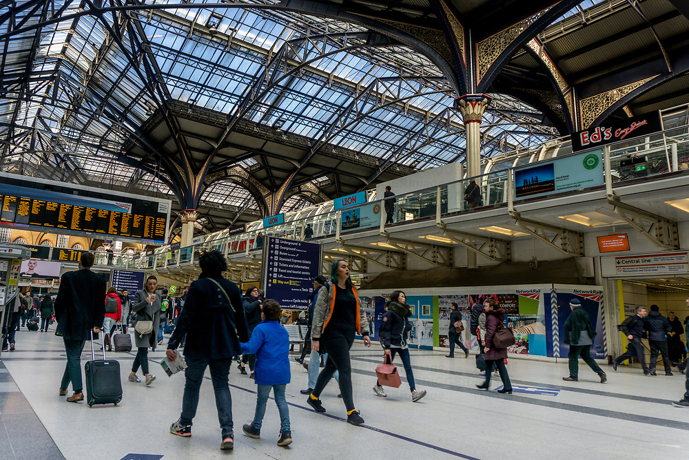 Commuters walkng through Liverpool Street station in London