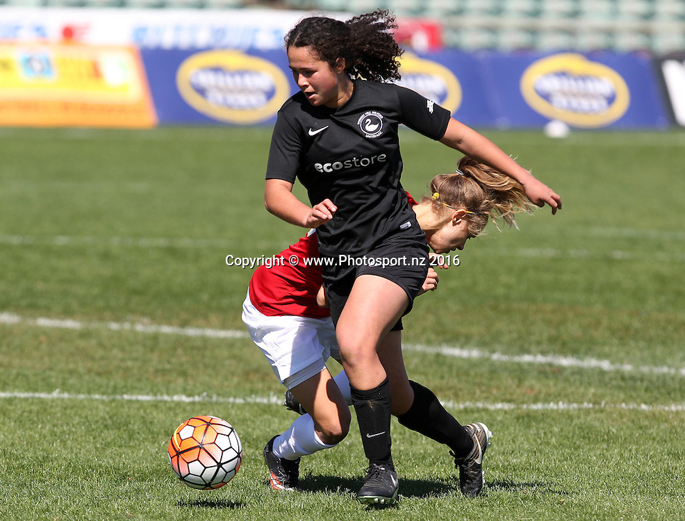 Forrest Hill's Malia Steinmetz easily gets past Glenfield's Liz Milne. Women's Knock Out Cup Final. Forrest Hill Milford United vs Glenfield Rovers. QBE Stadium, Auckland, New Zealand. Sunday 11 September 2016. © Copyright Image: Ben Campbell / www.photosport.nz