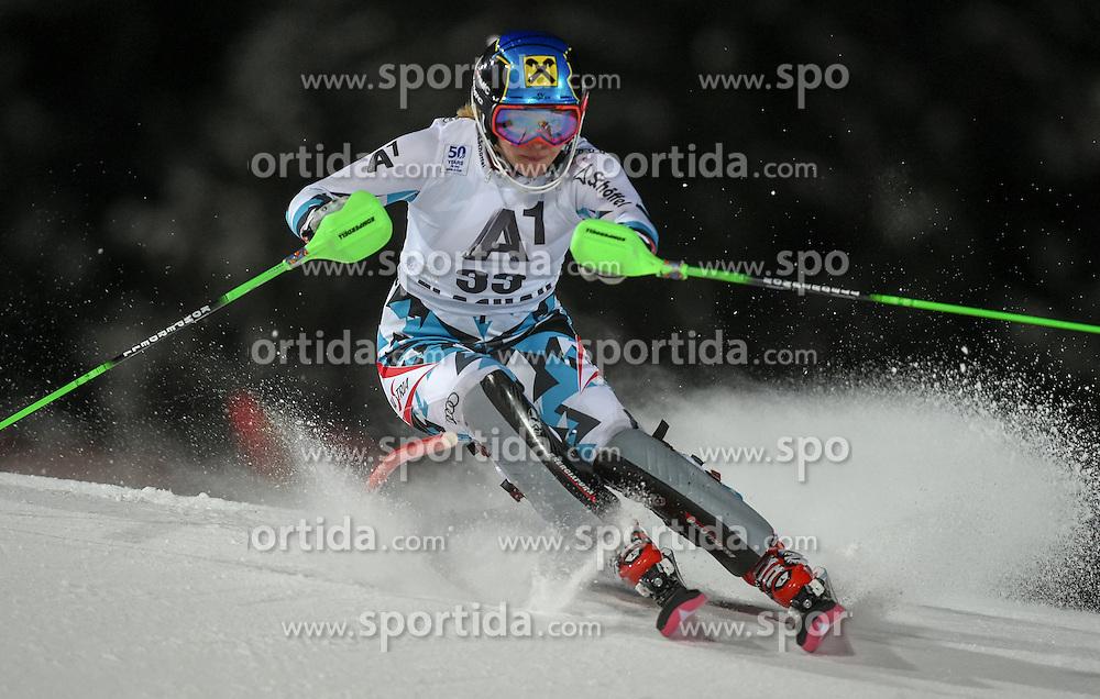 10.01.2017, Hermann Maier Weltcupstrecke, Flachau, AUT, FIS Weltcup Ski Alpin, Flachau, Slalom, Damen, 1. Lauf, im Bild Katharina Gallhuber (AUT) // Katharina Gallhuber of Austria in action during her 1st run of ladie's Slalom of FIS ski alpine world cup at the Hermann Maier Weltcupstrecke in Flachau, Austria on 2017/01/10. EXPA Pictures © 2017, PhotoCredit: EXPA/ Erich Spiess