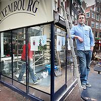 Nederland, Amsterdam , 24 februari 2011..Tom Bos, de nieuwe eigenaar van  cafe Luxembourg op Spui tijdens de verbouwingswerkzaamheden..Foto:Jean-Pierre Jans