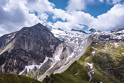 THEMENBILD - Blick auf den Gipfel und den Gletscher des Kitzsteinhorn, aufgenommen am 16. Juli 2019 in Kaprun, Österreich // View of the Kitzsteinhorn summit and glacier, Kaprun, Austria on 2019/07/16. EXPA Pictures © 2019, PhotoCredit: EXPA/ JFK