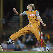 Australian bowler Nathan Bracken in action during the Twenty20 International between Australia and New Zealand  at the Sydney Cricket Ground on the 15th February 2009. Australia won the thrilling match by one run. Photo Tim Clayton